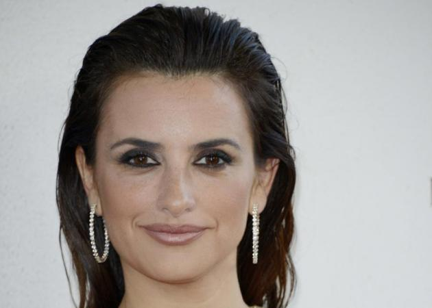 Το wet look της Penelope Cruz! Do or don't;