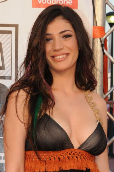 src=/files/Image/BEAUTY/2012/BEAUTY_NEWS/JUNE/21_6/ivi_adamou.jpg