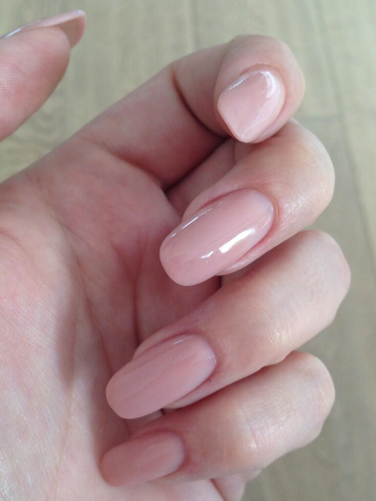 src=/files/Image/BEAUTY/2013/BEAUTY_NEWS/APRIL/10_4/nails.jpg
