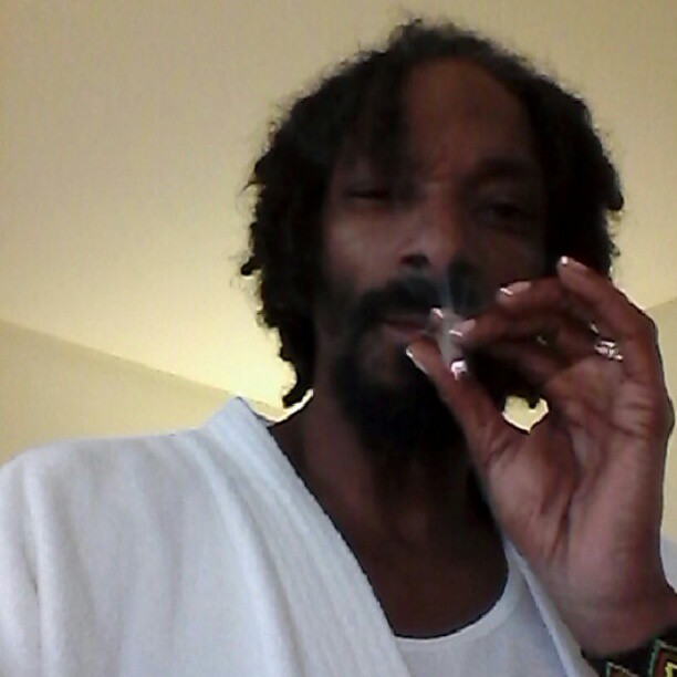 src=/files/Image/BEAUTY/2013/BEAUTY_NEWS/JANUARY/17_1/snoop_dogg.jpg