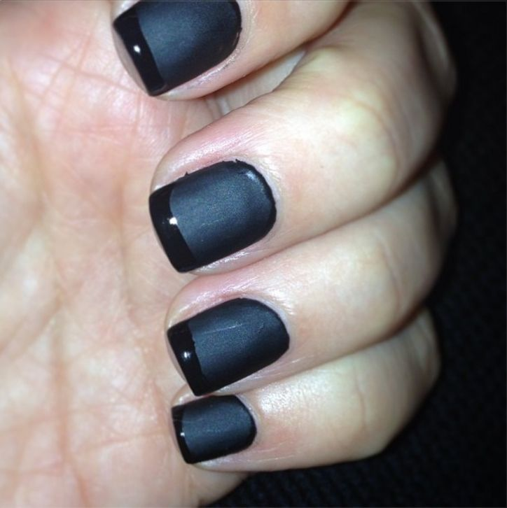 src=/files/Image/BEAUTY/2013/BEAUTY_NEWS/JANUARY/29_1/kim-kardashian-manicure-w724.jpg