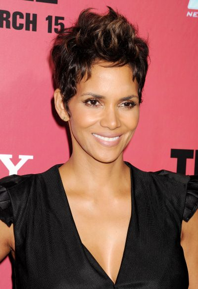 src=/files/Image/BEAUTY/2013/BEAUTY_NEWS/MARCH/8_3/halle_berry.jpg