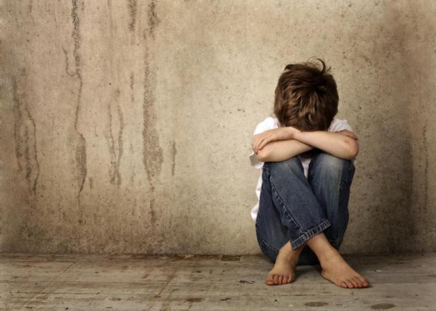 Τι προβλήματα βιώνουν τα σημερινά παιδιά που τα τραυματίζουν;