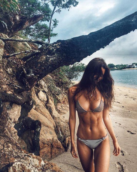4 - Τα 5 πράγματα που κάθε fitness κορίτσι πρέπει να κάνει στις διακοπές του!