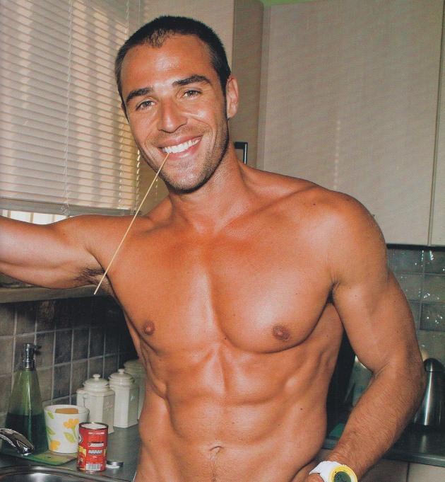 blaxos Πέντε σέξι άντρες της ελληνικής showbiz μαγειρεύουν!