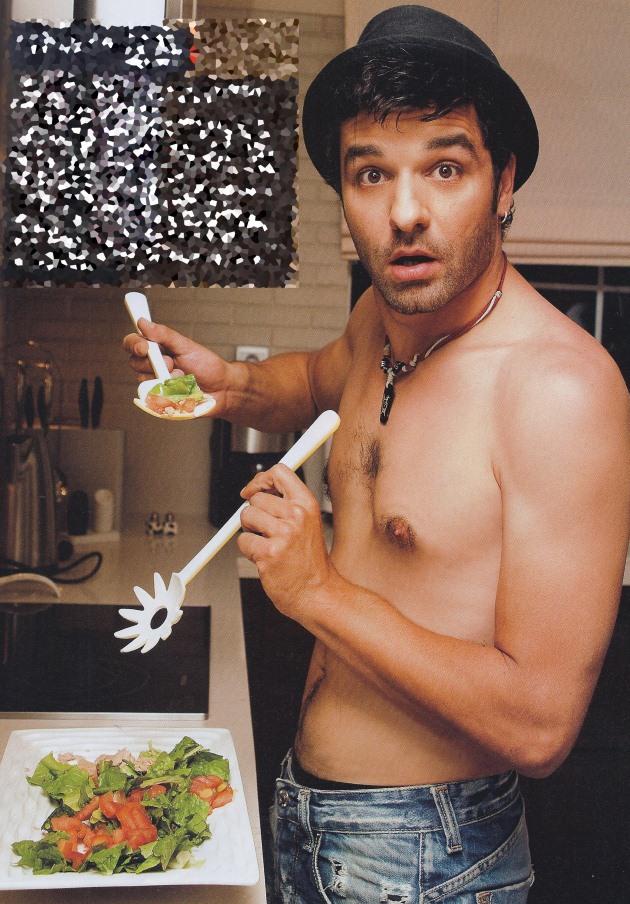 lagouths Πέντε σέξι άντρες της ελληνικής showbiz μαγειρεύουν!