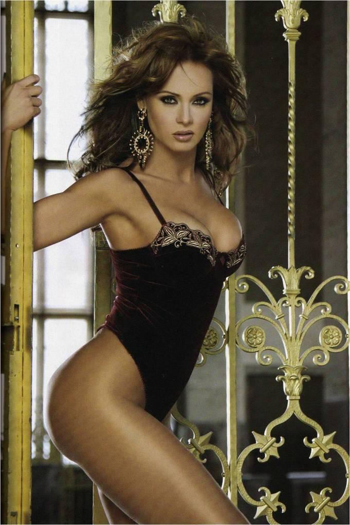 SPANIK2 Πως είναι σήμερα η Παολίνα;Η star της σαπουνόπερας,στα 38 της έκανε γυμνή φωτογράφηση!Δείτε τις hot φώτο!!