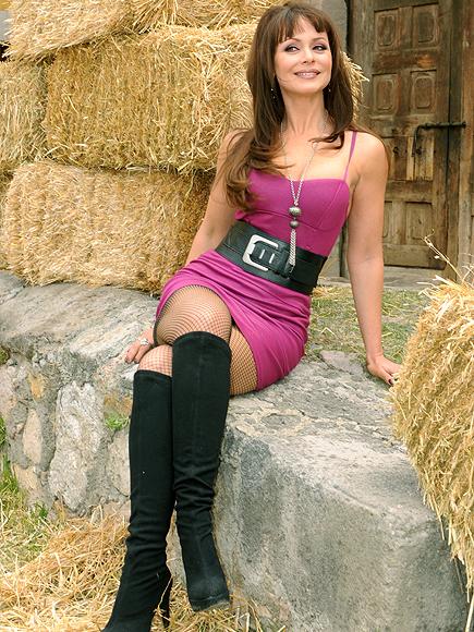 SPANIK6 Πως είναι σήμερα η Παολίνα;Η star της σαπουνόπερας,στα 38 της έκανε γυμνή φωτογράφηση!Δείτε τις hot φώτο!!