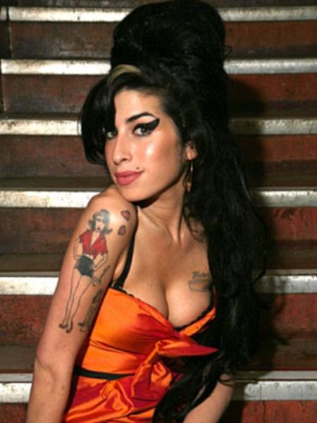 a1 A. Winehouse: Η ραγδαία άνοδος, η τραγική πτώση και ο αναμενόμενος θάνατος!