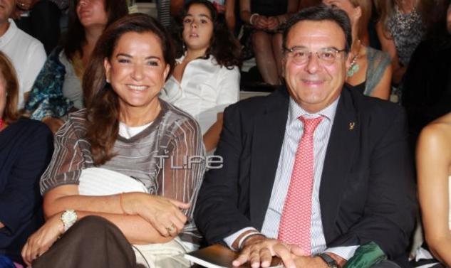 Ντόρα Μπακογιάννη: Σπάνια έξοδος στο θέατρο με τον σύζυγό της Ισίδωρο Κούβελο!