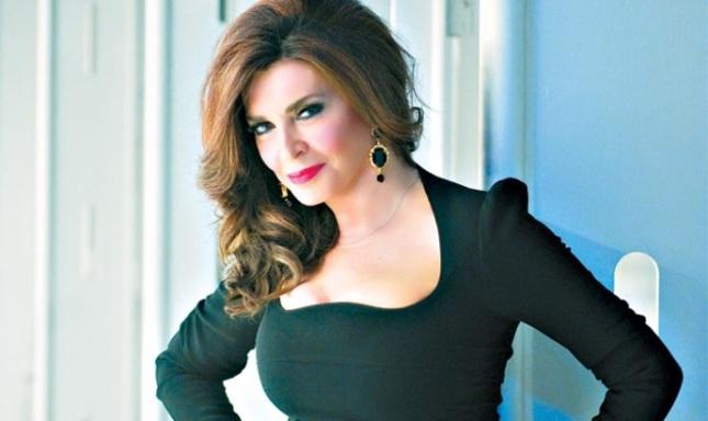 Μιμή Ντενίση: με ποιον κούκλο Τούρκο ηθοποιό συζητάει για συνεργασία