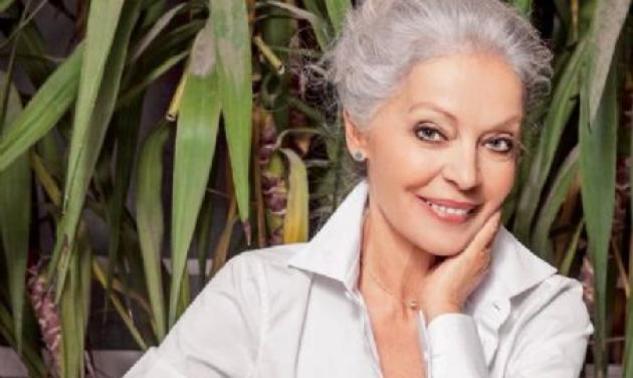 Μαρία Αλιφέρη: Όμορφη χωρίς ρετούς και μακιγιάζ! Φωτό