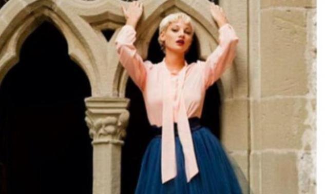 H Tζούλια Αλεξανδράτου όπως δεν την έχεις ξαναδεί: Μοντέλο σε ξένο περιοδικό