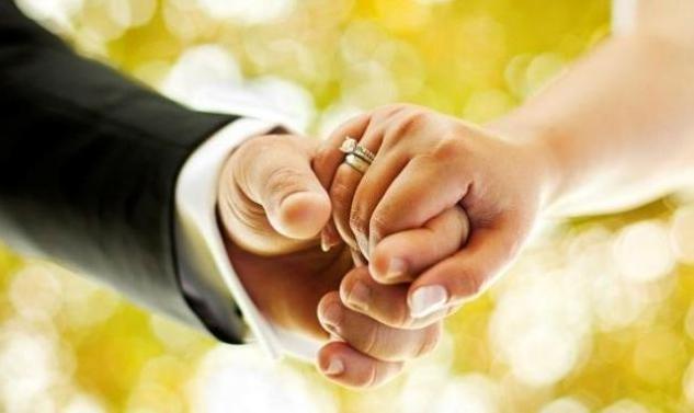 Δε φαντάζεσαι γιατί η εκκλησία απαγόρευσε στο ζευγάρι από τη Ρόδο να παντρευτεί!