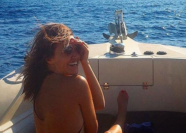 Αλεξάνδρα Παλαιολόγου: Ποζάρει χωρίς ρετούς πάνω σε σκάφος!