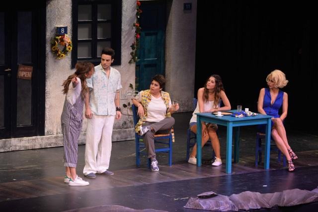 Mamma Mia: Συζήτηση και εντυπώσεις - Σελίδα 4 2mammamia