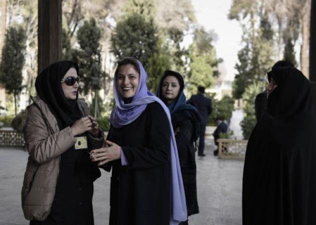 Η Μπέτυ Μπαζιάνα με μαντήλα! Φωτογραφίες από το ταξίδι Τσίπρα στο Ιράν