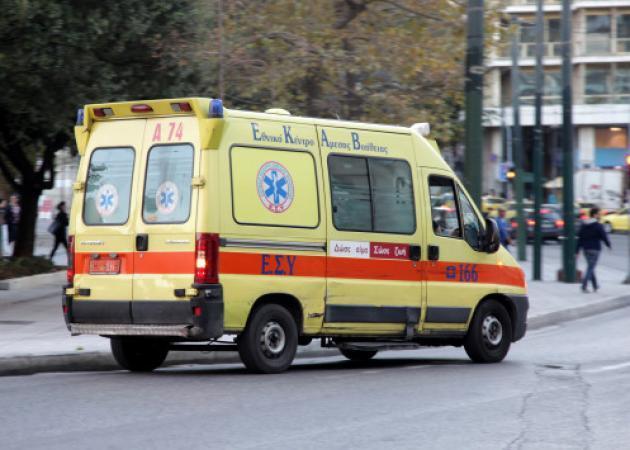 Χαροπαλεύει δημοτική αστυνομικός - Αυτοκίνητο την παρέσυρε πάνω στο πεζοδρόμιο, εν ώρα υπηρεσίας!