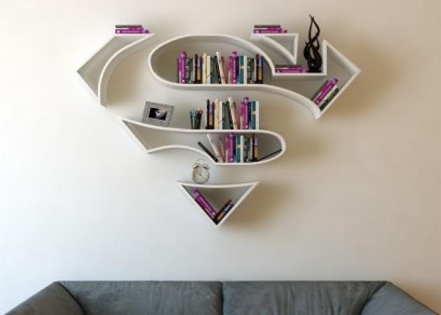 Μα ολόκληρος Superman... βιβλιοθήκη; Τούρκος με μεγάλη φαντασία!