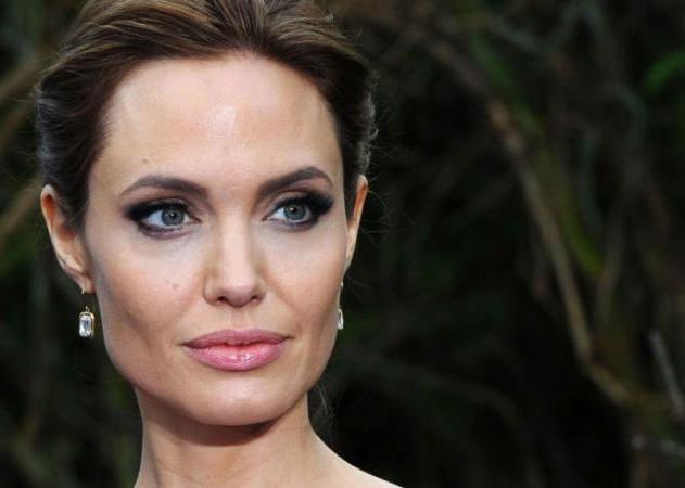 Angelina Jolie: Σπάει την σιωπή της για πρώτη φορά μετά το διαζύγιο!