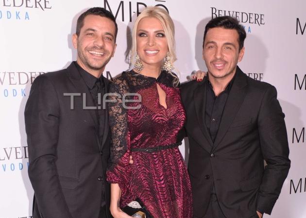 Οι celebrities αγαπούν την ελληνική μόδα! Έλαμψαν στο fashion show των Mi -Ro! Φωτογραφίες