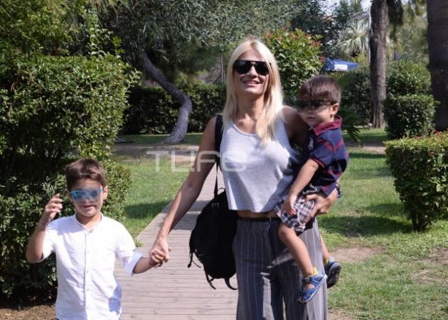 Φαίη Σκορδά: Γεύμα με την ανανεωμένη ομάδα του Πρωινού και τους γιους της!