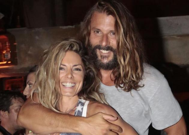 Κατερίνα Λάσπα: Η πιο ερωτική φωτογραφία με τον σύζυγό της στο ηλιοβασίλεμα!