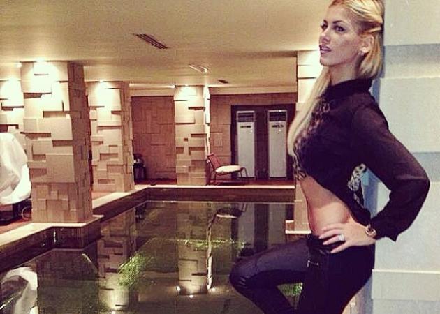 Αλεξάνδρα Λοΐζου: Μας δείχνει για πρώτη φορά τη φουσκωμένη κοιλιά της!