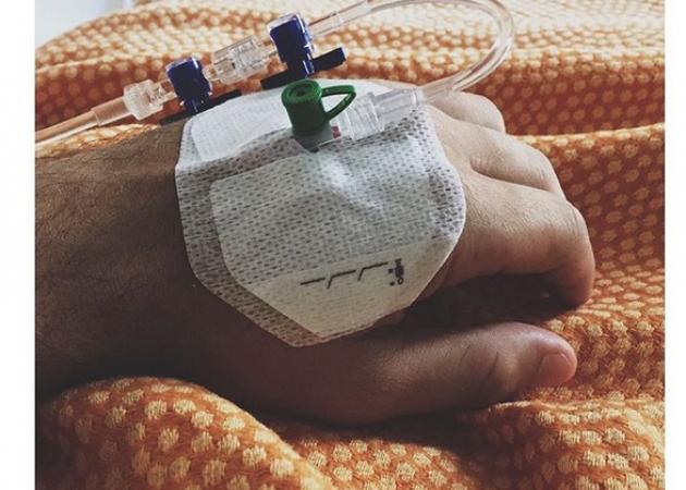 Έλληνας ηθοποιός ανέβασε αυτή τη photo από το νοσοκομείο κι έγραψε: Αν δεν ξυπνήσω φάτε!