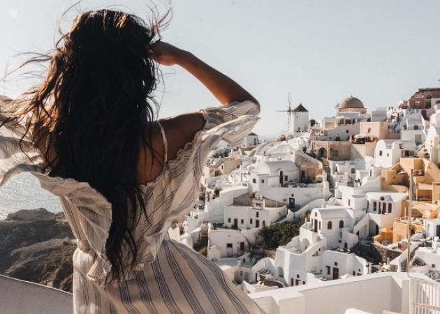 Αμερικανίδα πρωταγωνίστρια τράβηξε το πιο συγκλονιστικό βίντεο από τις διακοπές της στην Ελλάδα! Video