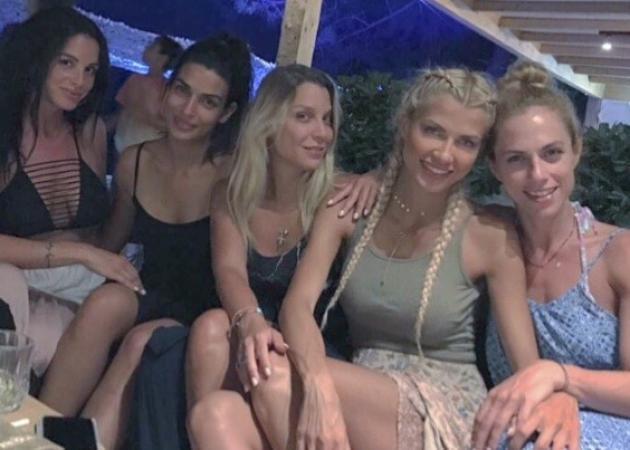 Ντορέττα Παπαδημητρίου: Διακοπές στην Χαλκιδική με τις διάσημες φίλες της! [pics,vid]