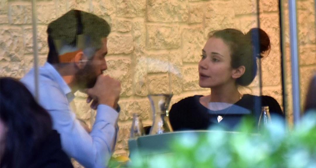 Παντρεύτηκε στην Αντίπαρο η Άννα Μπουσδούκου με τον Σταύρο Ιωαννίδη