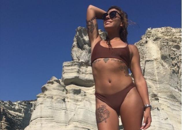 Ευρυδίκη Βαλαβάνη: Η σέξι αθλητικογράφος συνεχίζει τις διακοπές της στα ελληνικά νησιά! [pics,vid]