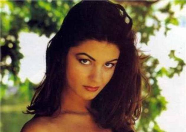 Βερόνικα Αργέντζη: Πώς είναι σήμερα το σύμβολο του σεξ της δεκαετίας του '90! [pics]