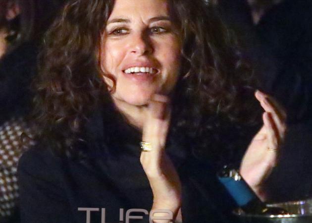 Ελευθερία Αρβανιτάκη: Σπάνια βραδινή έξοδος με φίλους!