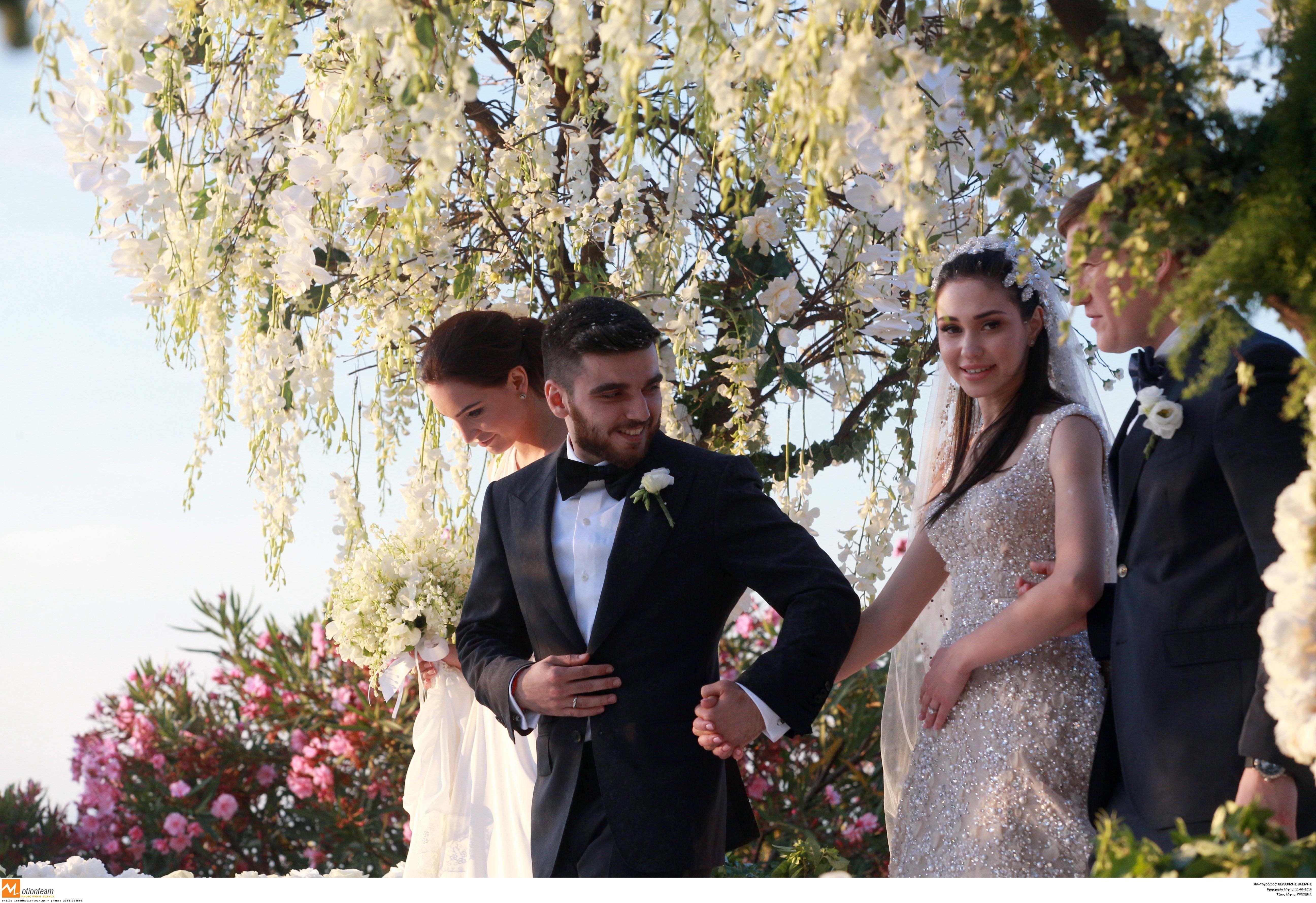 82d598021407 Οι χλιδάτοι γάμοι των Ελλήνων διάσημων που έγιναν μέσα στο 2016!  Φωτογραφίες