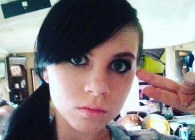 12χρονη αυτοκτόνησε ζωντανά στο facebook! - Πριν την είχε κακοποιήσει σεξουαλικά ο πατριός της!