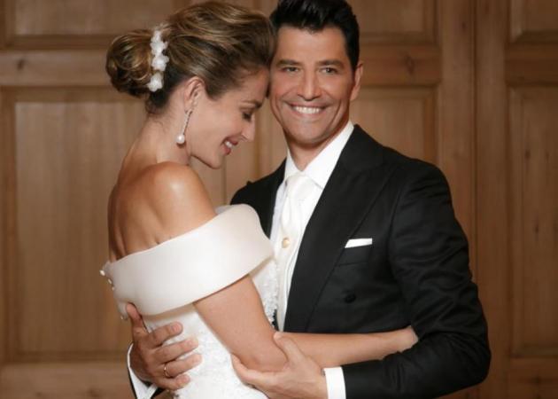 Σάκης Ρουβάς - Κάτια Ζυγούλη: Ο παραδοσιακός τους γάμος με παρανυφάκια τα παιδιά τους