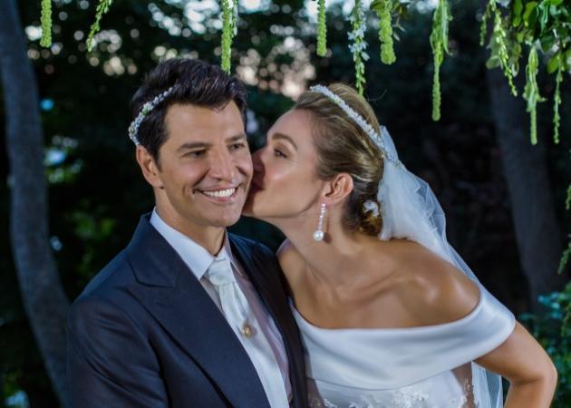 Σάκης Ρουβάς - Κάτια Ζυγούλη: Το άλμπουμ του λαμπερού γάμου τους! Φωτογραφίες