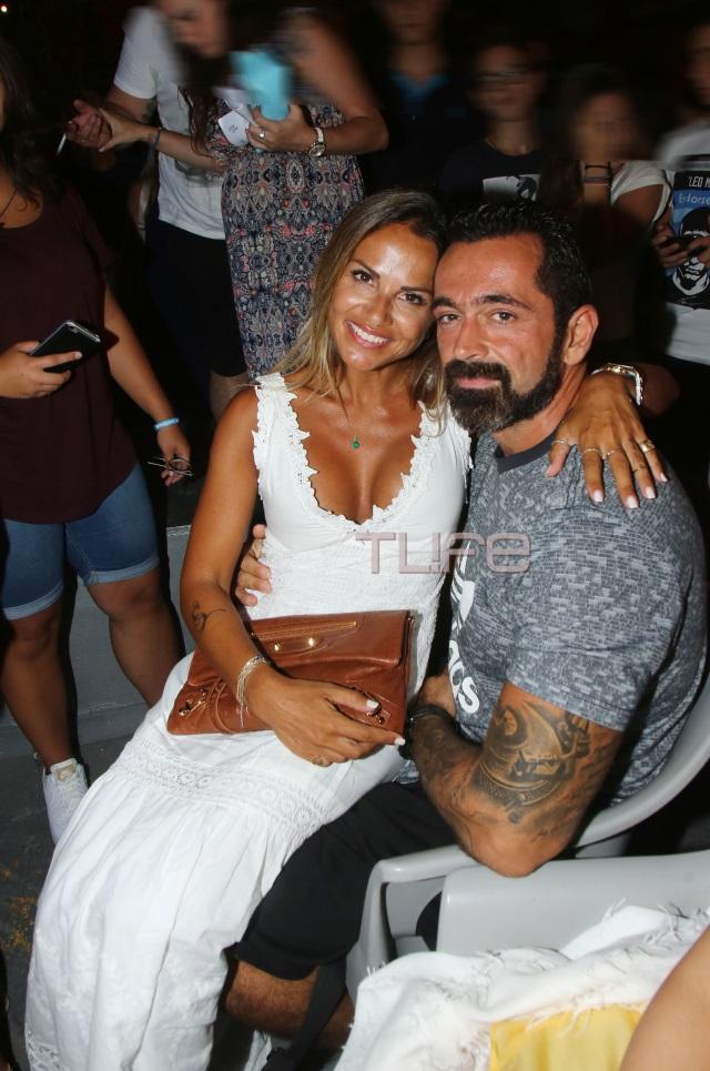 sofi1 - Σόφη Πασχάλη: Αγκαλιά με τον Μπο στο Δελφινάριο!