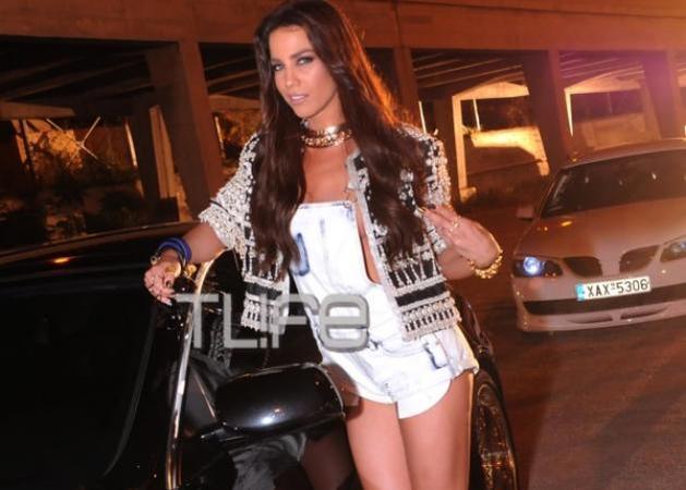 Κατερίνα Στικούδη: Τόσο σέξι φωτογραφία της τραγουδίστριας δεν έχεις ξαναδεί...