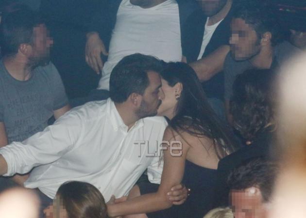 Φλορίντα Πετρουτσέλι: Τα καυτά φιλιά με το νέο της σύντροφο στα μπουζούκια  [pics]