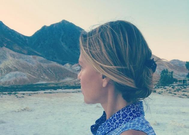 Τζένη Μπαλατσινού: Στιγμές χαλάρωσης στη Νίσυρο! [pics]