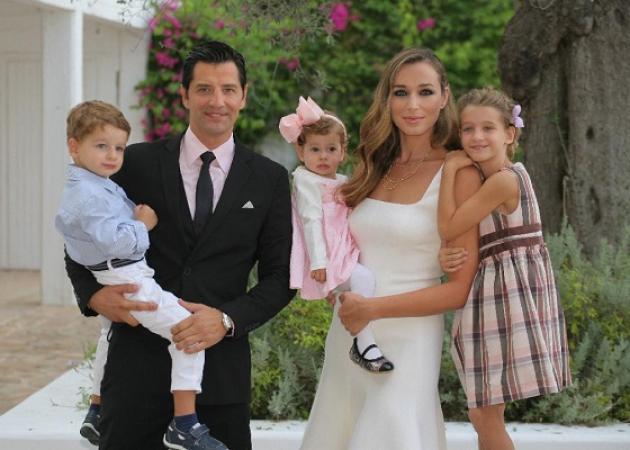 Σάκης Ρουβάς και Κάτια Ζυγούλη δημοσίευσαν την αναγγελία των γάμων τους σε τοπική εφημερίδα της Κέρκυρας!