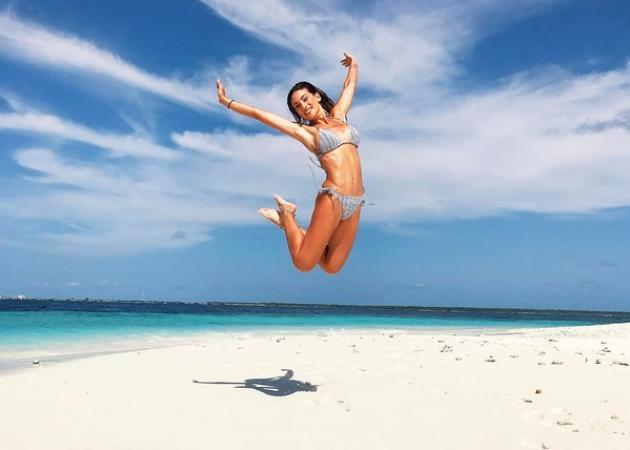 Αθηνά Οικονομάκου: Η τρυφερή φωτογραφία με τον σύντροφό της από τις Μαλδίβες και οι 500.000 followers!