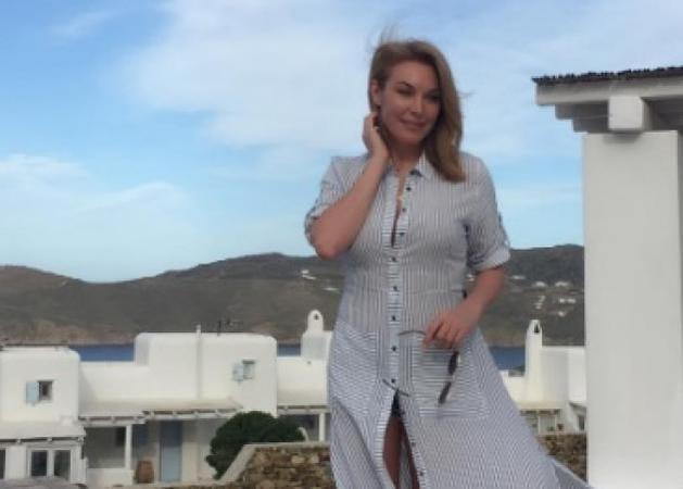Τατιάνα Στεφανίδου: Απόδραση σε νησί των Κυκλάδων για δουλειές και... ξεκούραση! [pics]