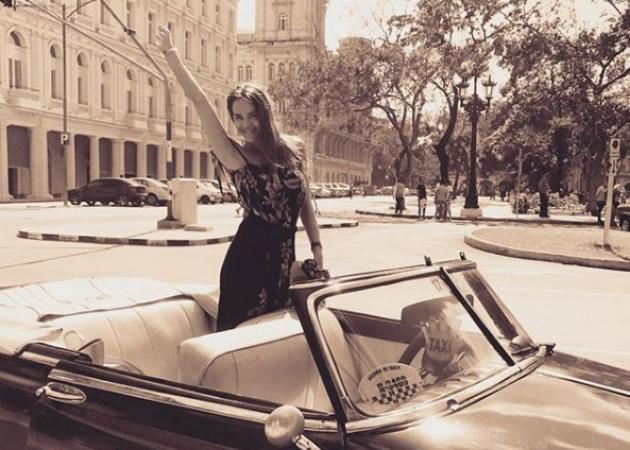Νικολέττα Καρρά: Απόδραση με τον σύζυγό της στην Κούβα! [pics,vid]