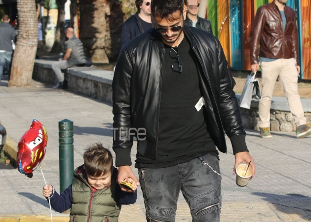 Σάββας Γκέντσογλου: Βόλτα με τον γιο του χωρίς την Αγγελική Ηλιάδη [pics]