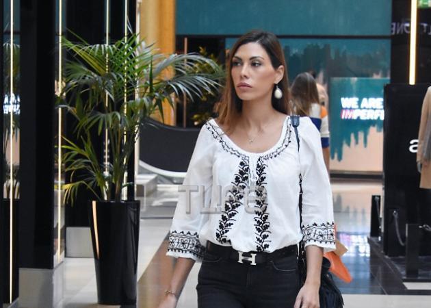 Ιωάννα Μπούκη: Με casual εμφάνιση κάνει τα ψώνια της! [pics]