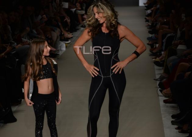 Κατερίνα Λάσπα: Σε ρόλο μοντέλου στην AXDW μαζί με την όμορφη κόρη της!